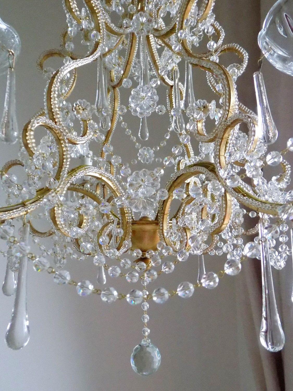 Lampadari provenienti da antiche dimore italiane, riportati ai vecchi splendori. Pin On Golden Interiors