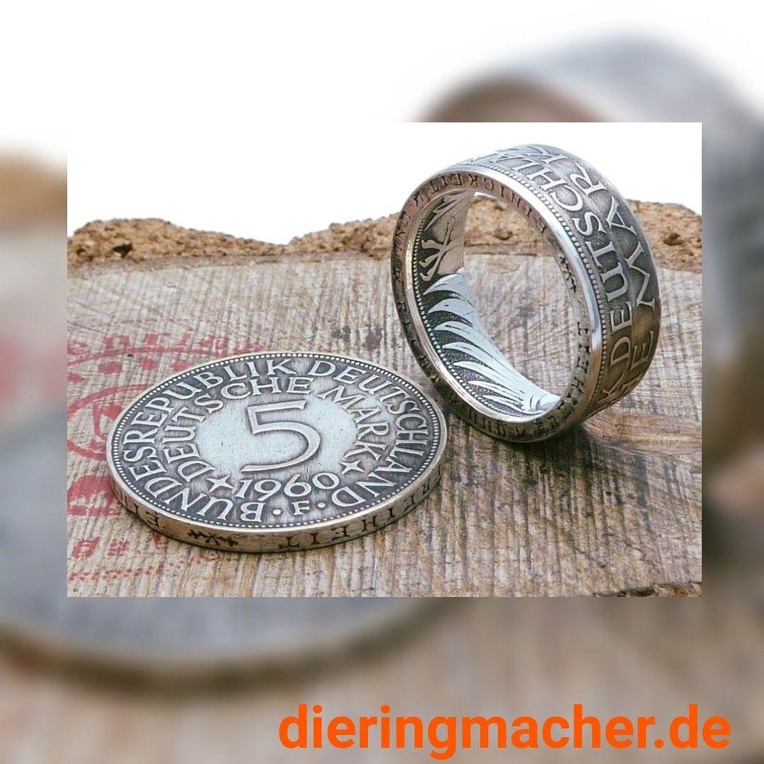 Pin auf Ringe aus Münzen