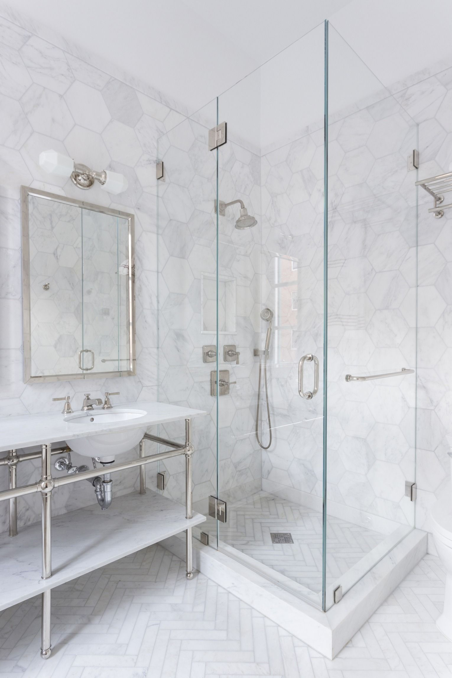 A New York City Couple Remodels Their Small Bath Marble Bathroom Designs Marble Tile Bathroom Bathroom Floor Tiles