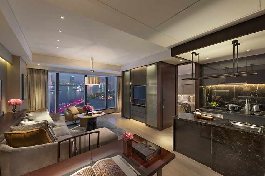 One Bedroom Apartment Luxury Apartment Mandarin Oriental Shanghai One Bedroom Apartment Luxury Apartments Apartment Bedroom Design