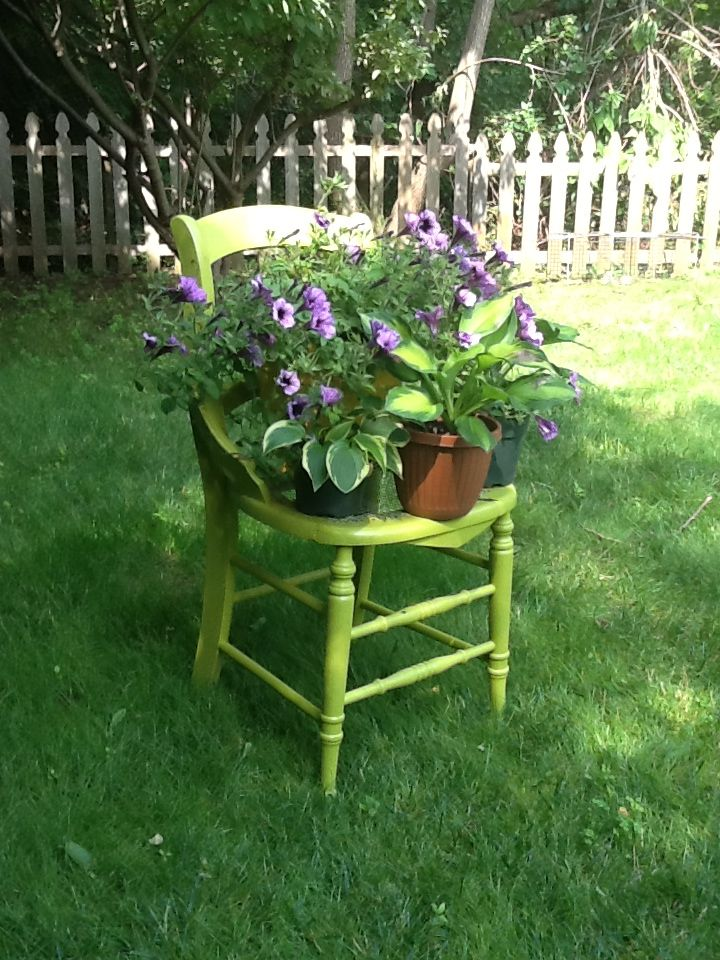 I Repurposed An Old Chair Replacing The Broken Cane Seat With Wire Mesh And Painting It A Fun Color Stuhle