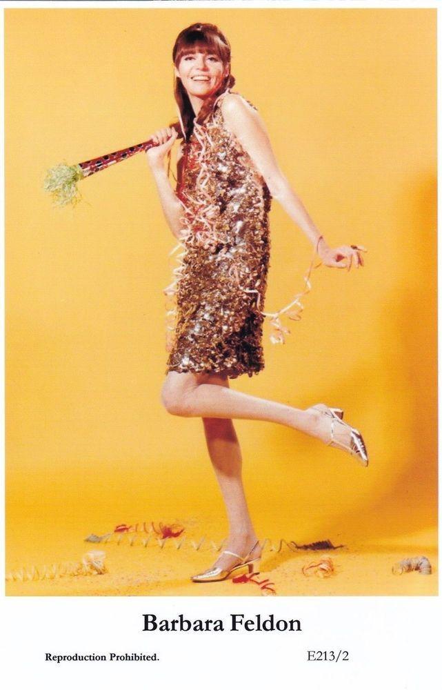 BARBARA FELDON - movie star PIN-UP - Publisher switsure Postcards 2000