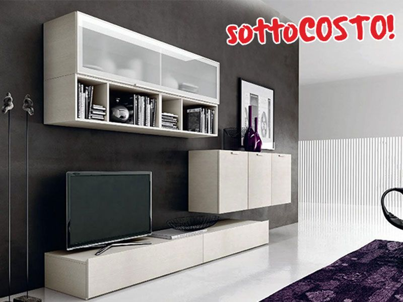 Mobile soggiorno design l 370 cm con basi sospese e vasitas in vetro satinato