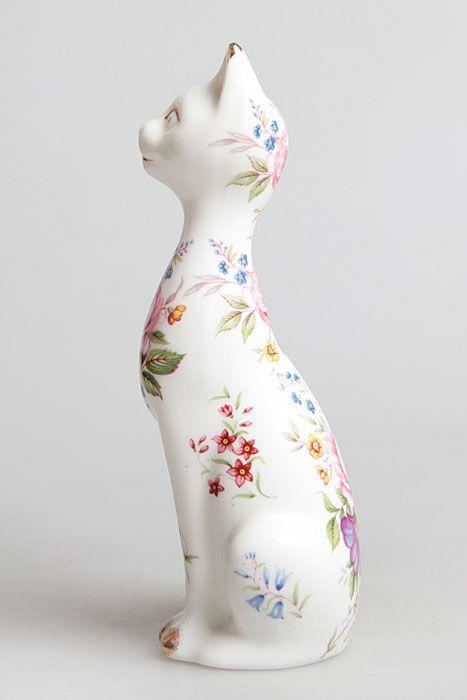 """Статуэтка """"Кошка в цветах"""". Фарфор, деколь, золочение ..."""
