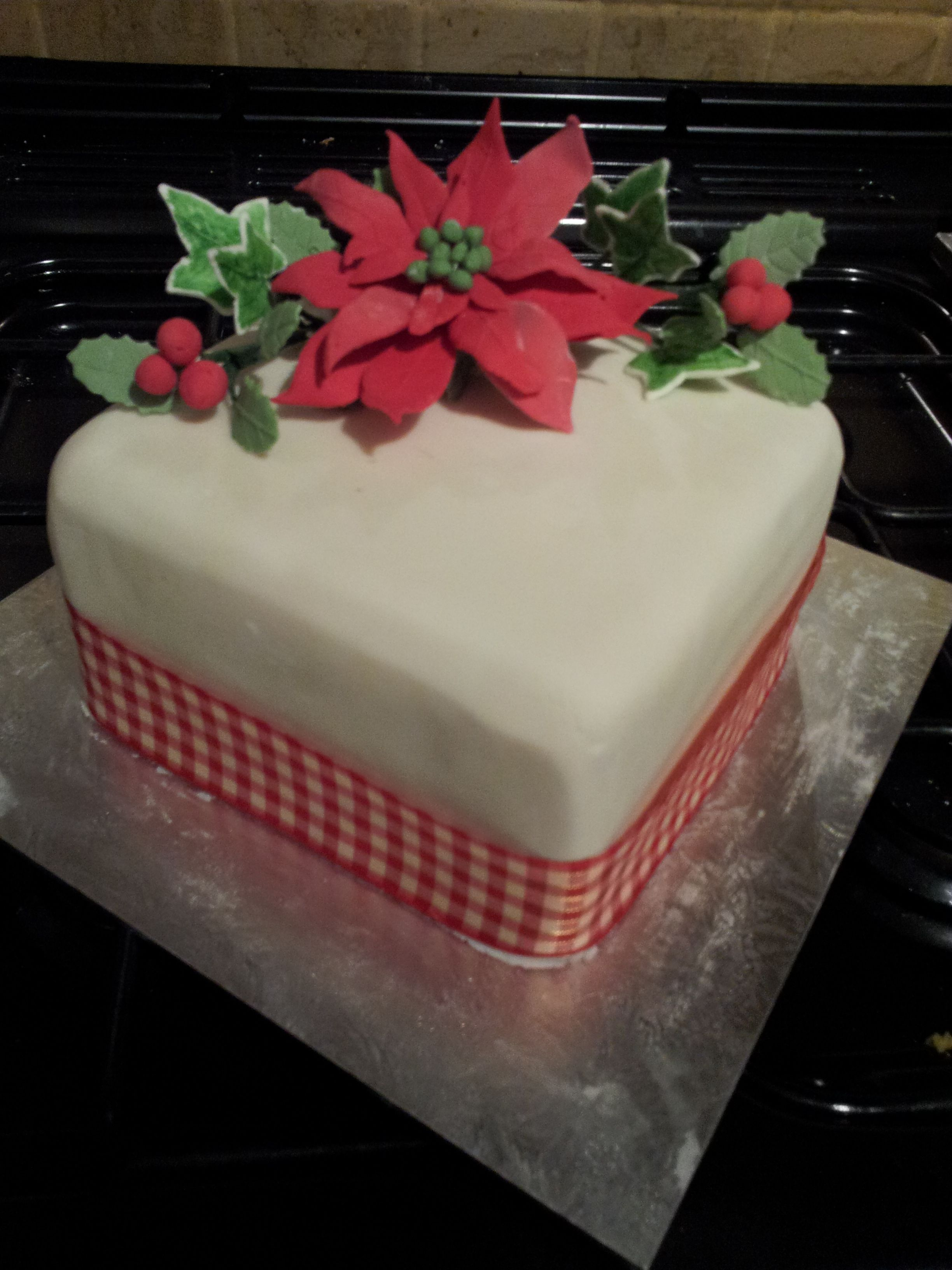 Christmas Cake - Poinsettia