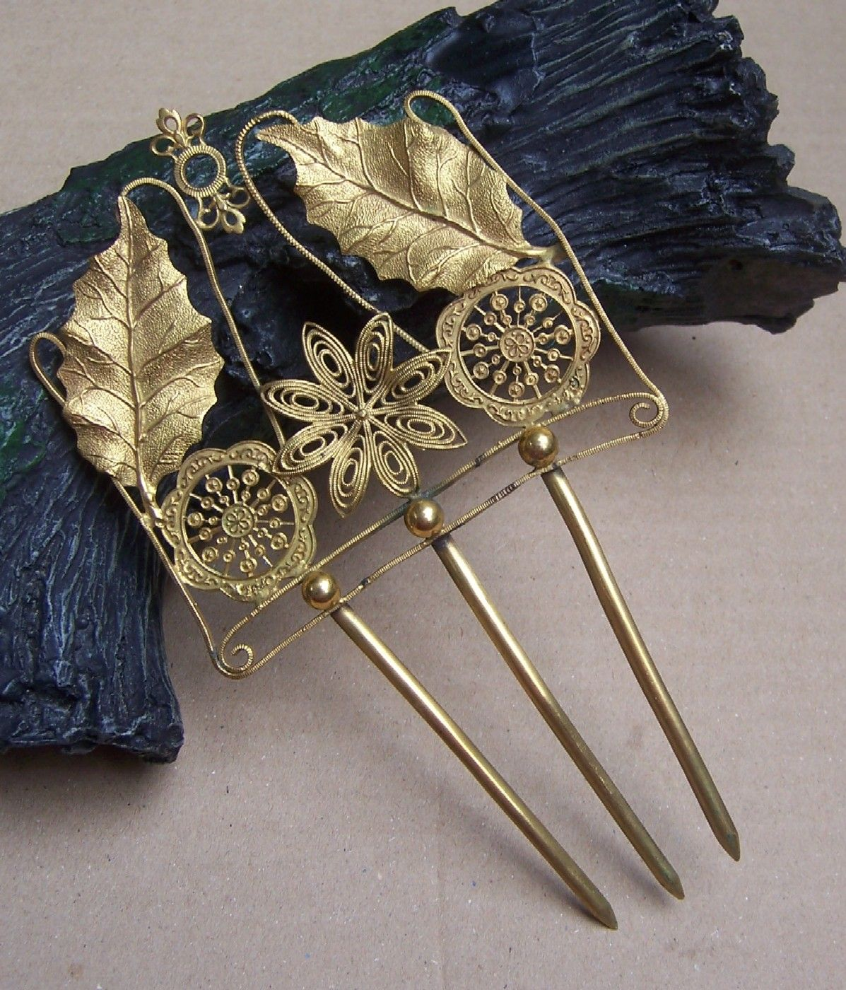 Large gilt filigree hair comb early Victorian