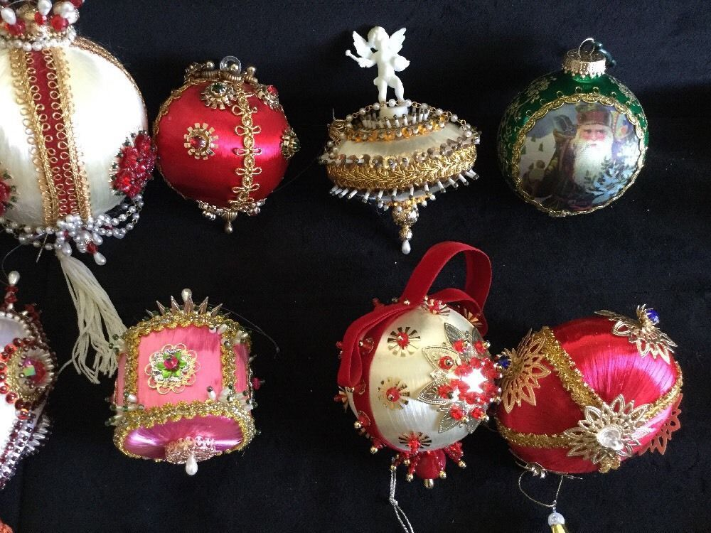 30 Vintage 1970 S Handmade Christmas Ornaments Sequins Satin Pins Gems Beads Ebay Christmas Ornaments Handmade Christmas Ornaments Vintage Christmas Ornaments