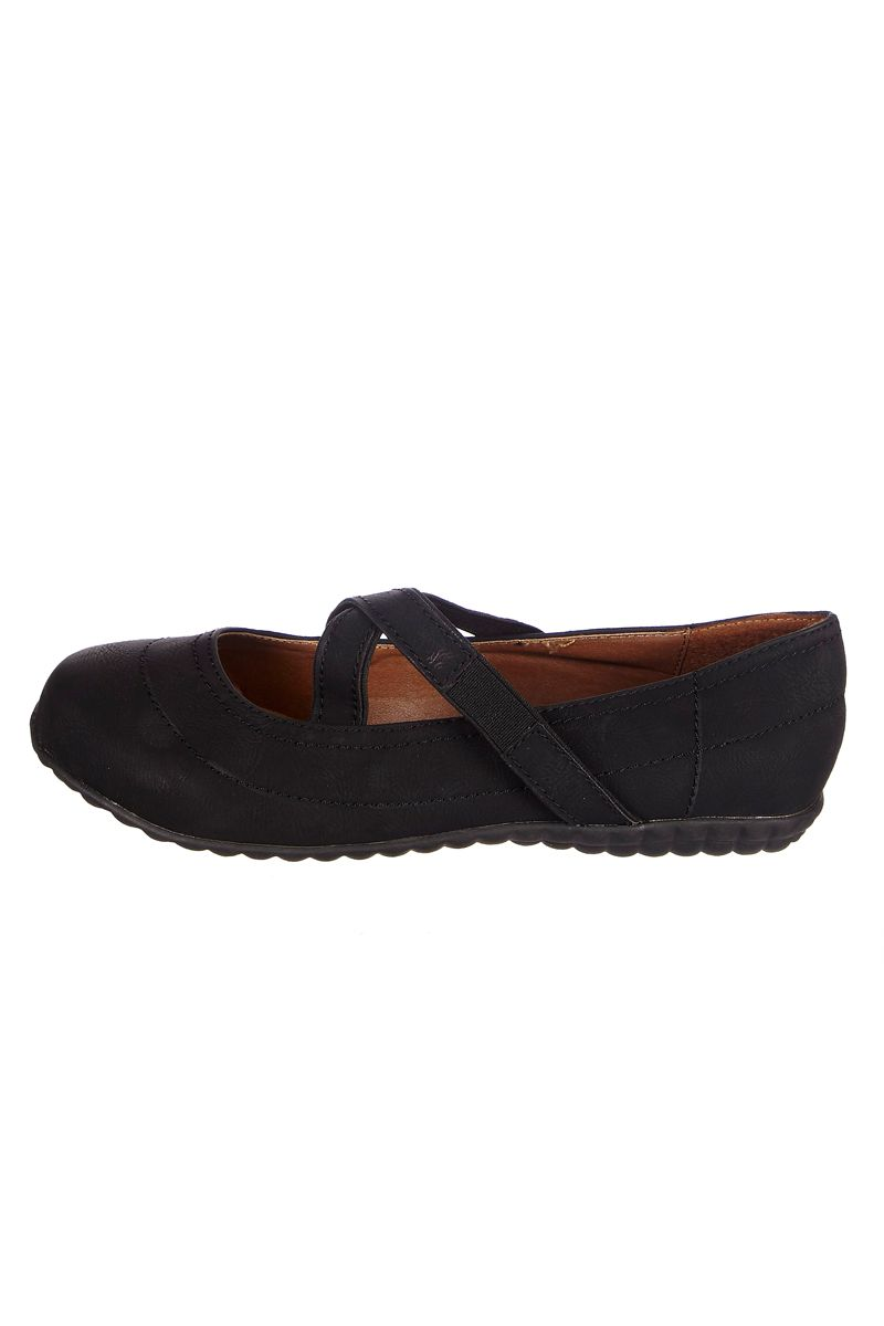 Venda Huran Shoes / 8360 / Mulher / Sabrinas / Sabrinas Preto. De 30€ por 9€.
