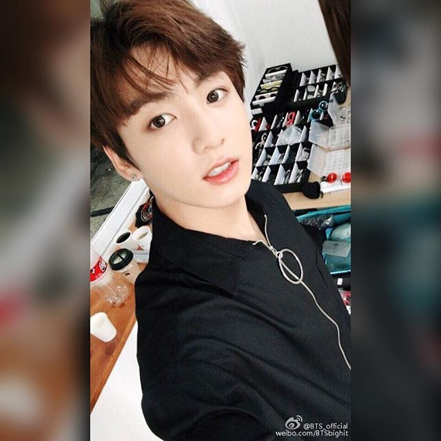 """160726 Weibo Update - """"아아 중국 아미들 :) 더운 날씨에도 건강 조심하시고 다시 만날 때는 더 재밌게 놀았으면 좋겠습니다!#防弹少年团##BTS##JungKook#"""" - """"Ah ah China ARMYs :) Be careful in this hot day and when we meet again it'd be nice if we can have more fun! #bangtanboys #BTS #jungkook """" - ©BTS_official"""