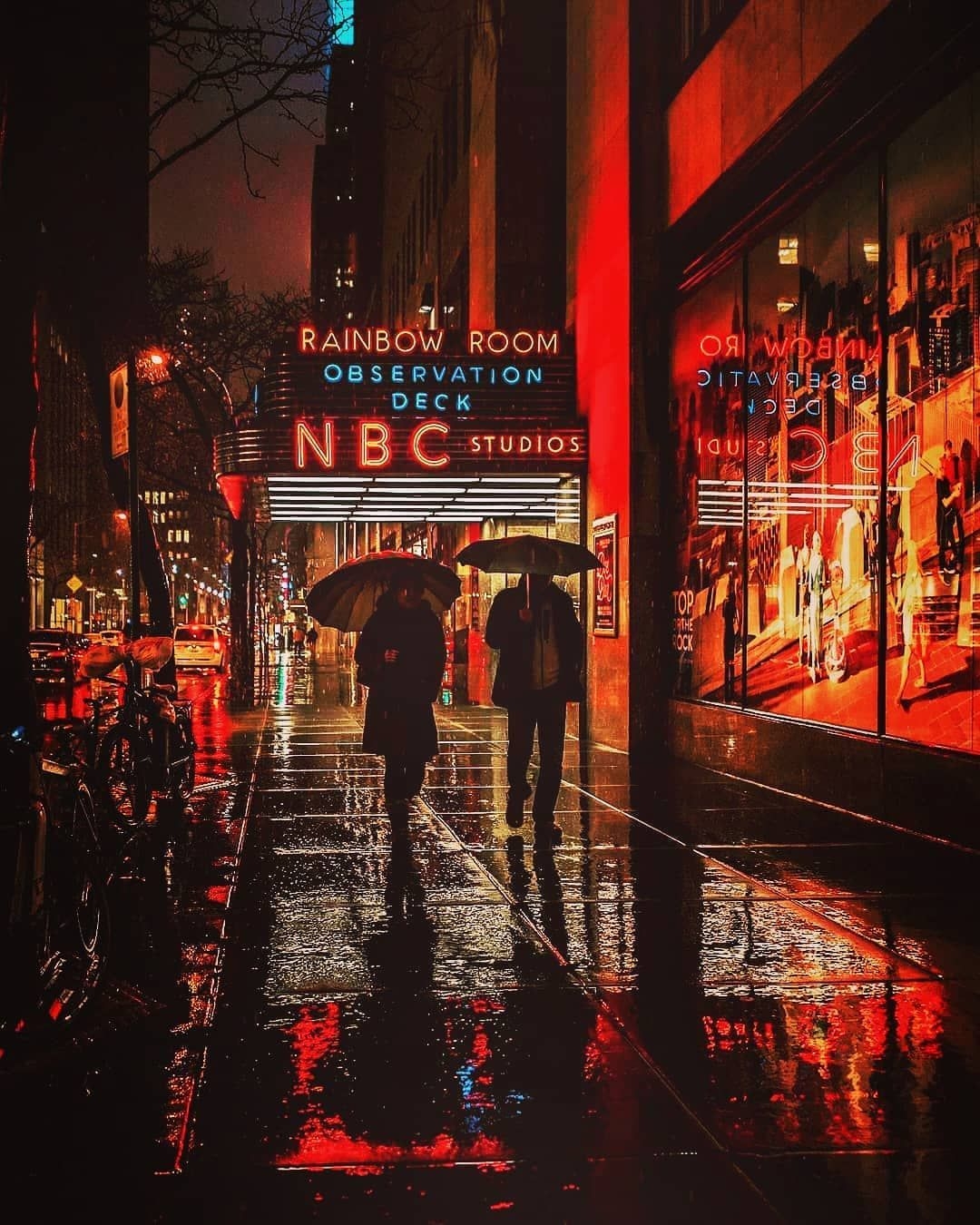 Photographer Mayk On Instagram Look At Where You Are Think Of Where You Want To Be Street Capture New York Pictures New York Travel New York City