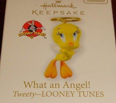 """2010 Hallmark LOONEY TUNES """"WHAT AN ANGEL """" Miniature TWEETY BIRD Ornament"""