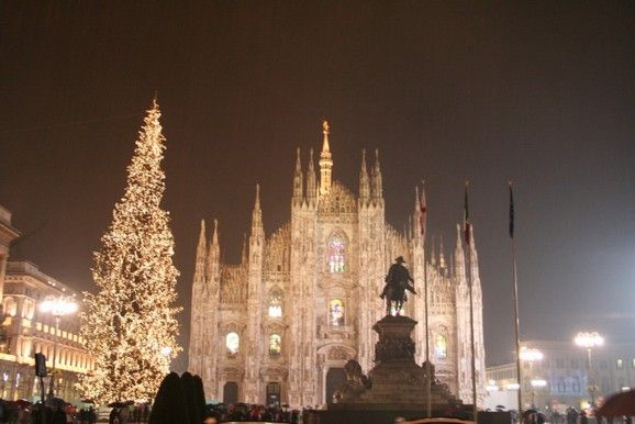 Christmas In Italy 2019.Enjoy The Christmas And New Year S Eve In Milan New Year S