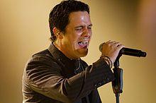 """Alejandro Sanz es de Madrid, Spain. Alejandro Sanz tiene 44 anos. Me gusta su cancion """"Si tu me miras""""."""