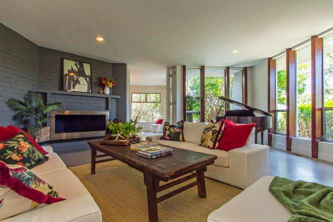 Brentwood Listing - Bayliss Rd.