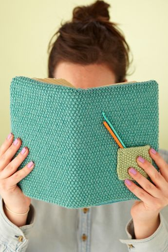 Wrap good reads and notebooks in our two-stitch, easy-knit book cover pattern by Julie Picard complete with a little pocket for highlighters or hooks. A sleeve for the bookish crafter!