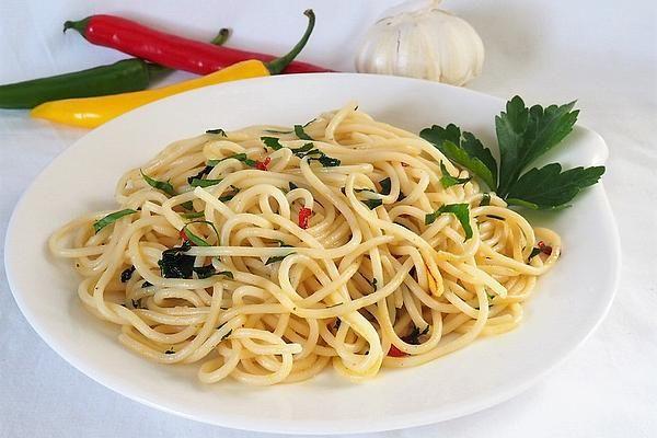 Spaghetti mit Knoblauch - Öl - Sauce von Nina82 | Chefkoch