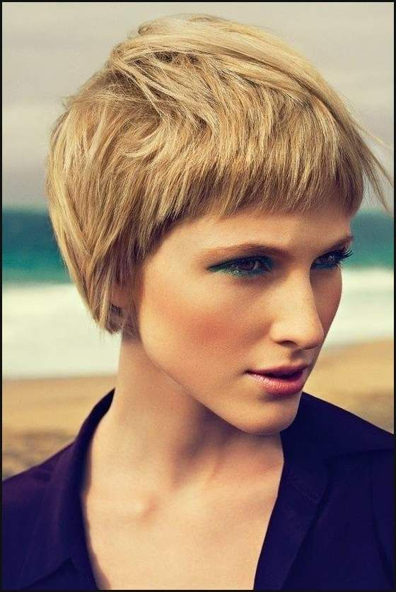 Nice 20 Stilvolle Kurze Frisuren Für Frauen Mit Dicken Haaren ... |  Einfache Frisuren