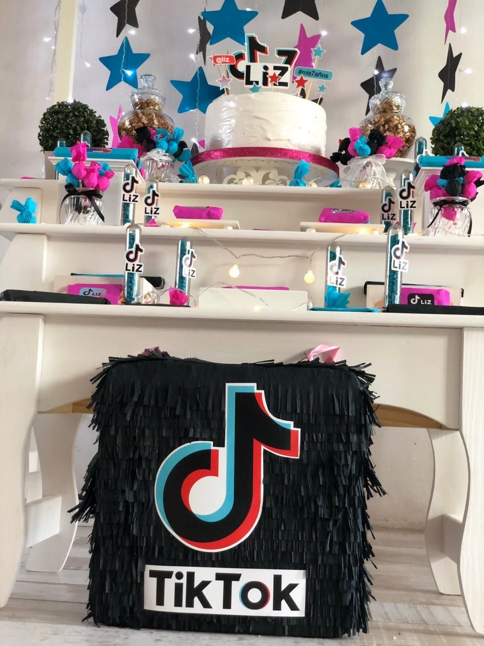 Pin By Luciana Angeli On Decoraciones Birthday Parties 10th Birthday Parties Baby Girl Party Ideas