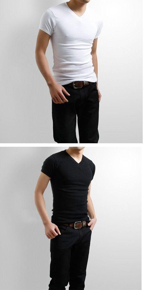 Camiseta para hombre con cuello V. Nunca pueden faltar! Encuéntralas aquí. 79f2c98f3a05