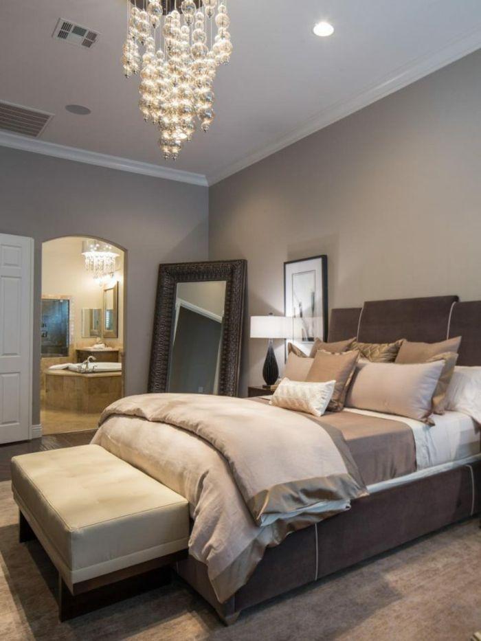 Elegant Kleines Schlafzimmer, Schlafzimmer Inspiration Für Eine Frau, Die Eitel  Ist, Schöner Kronleuchter | Einrichtungsideen In 2018