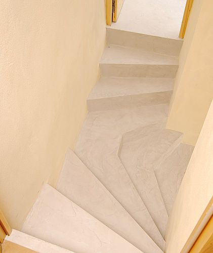 Rouviere Collection Propose Un Microbeton Permettant De Recouvrir Les Escaliers Interieurs Ou Exterieurs Avec Des Effets De Beton Ci Treppe Steintreppen Design