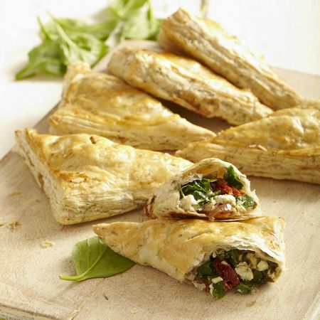 Feta Spinach And Tomato Puff Pastry Wraps Recipe Spinat