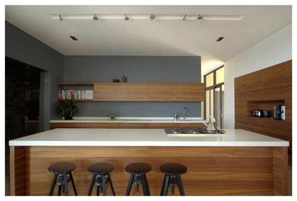 Hillside: A House Nestled Between Rolling Vineyards | Cocinas ...