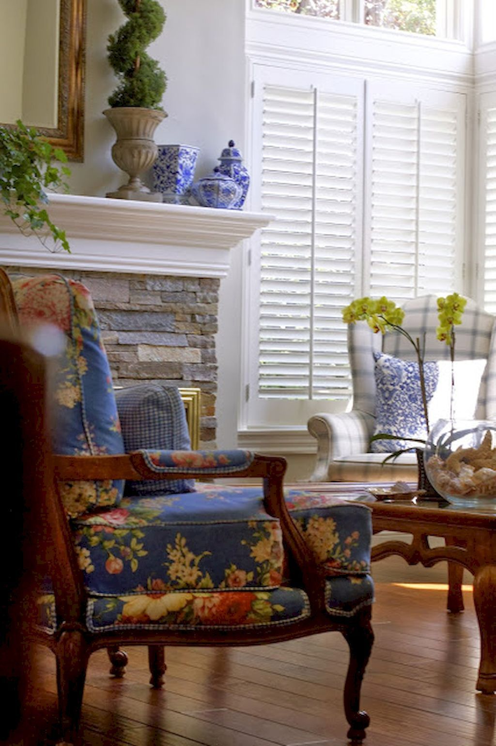 Gorgeous French Country Living Room Decor Ideas (39