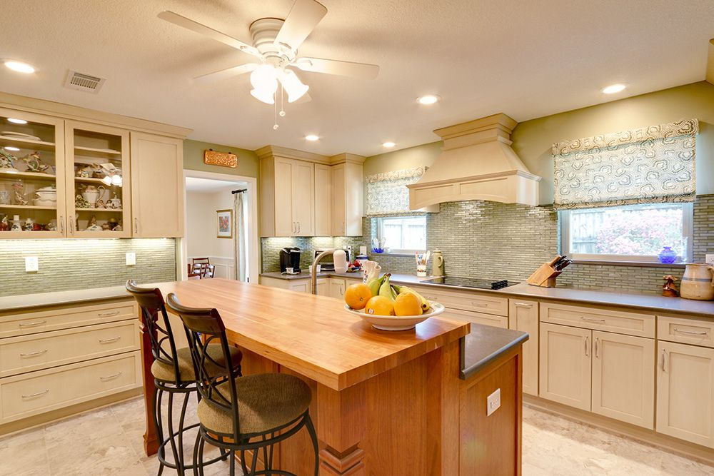 """A kitchen in Pensacola, Florida, goes beyond """"kitchen"""" and ..."""