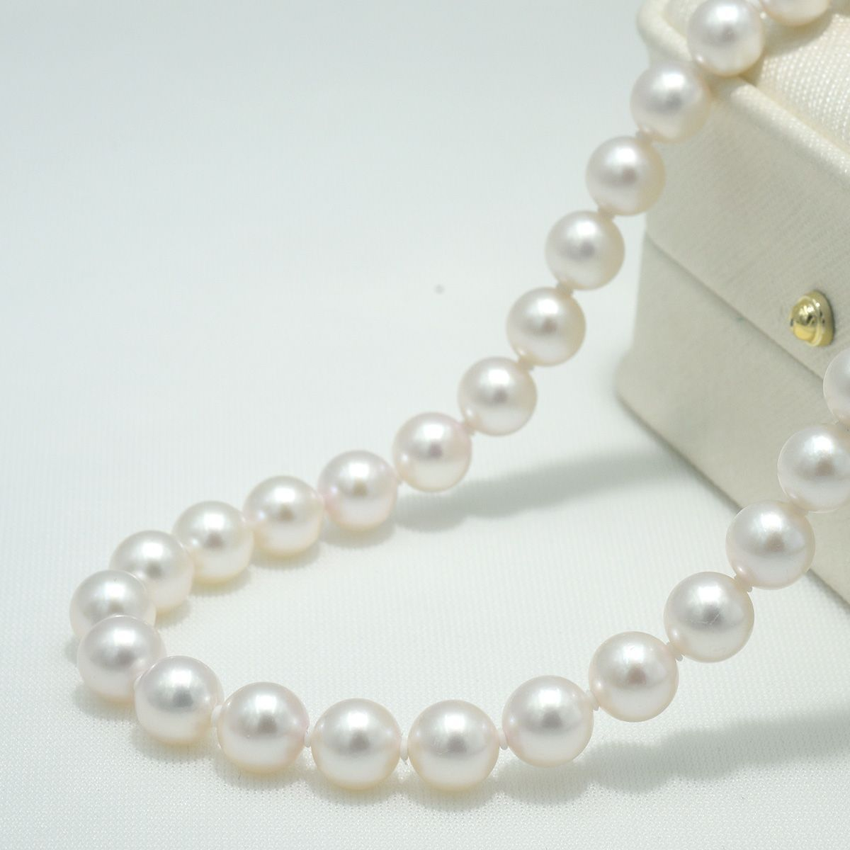 14k Yellow Gold Bead and 7mm White Pearl Chain Necklace 18inch