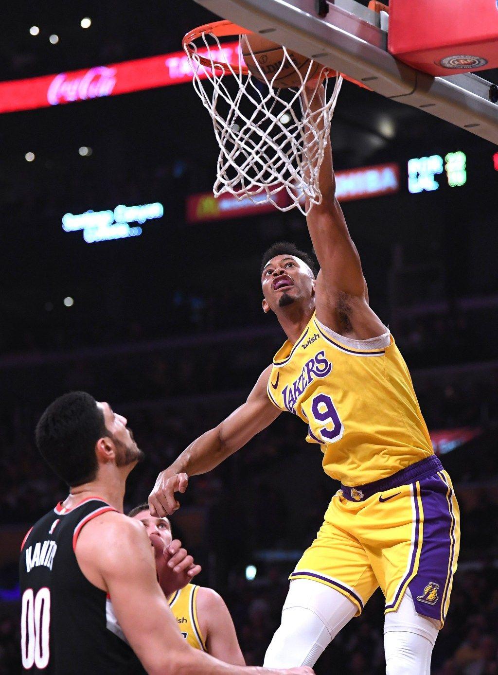 Blazers Edge Lakers After Magic Johnsons Surprise Resignation Lakers Kyle Kuzma Lance Stephenson