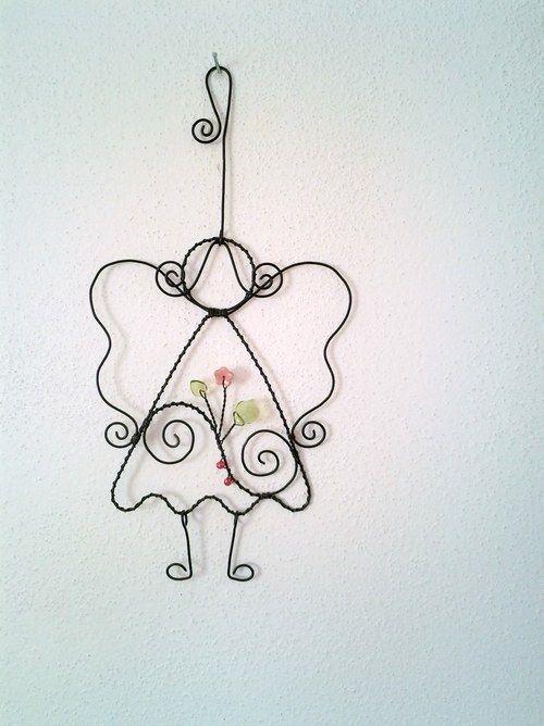 Andělka s růžovou kytičkou   Drátkování   Pinterest   Wire art ...