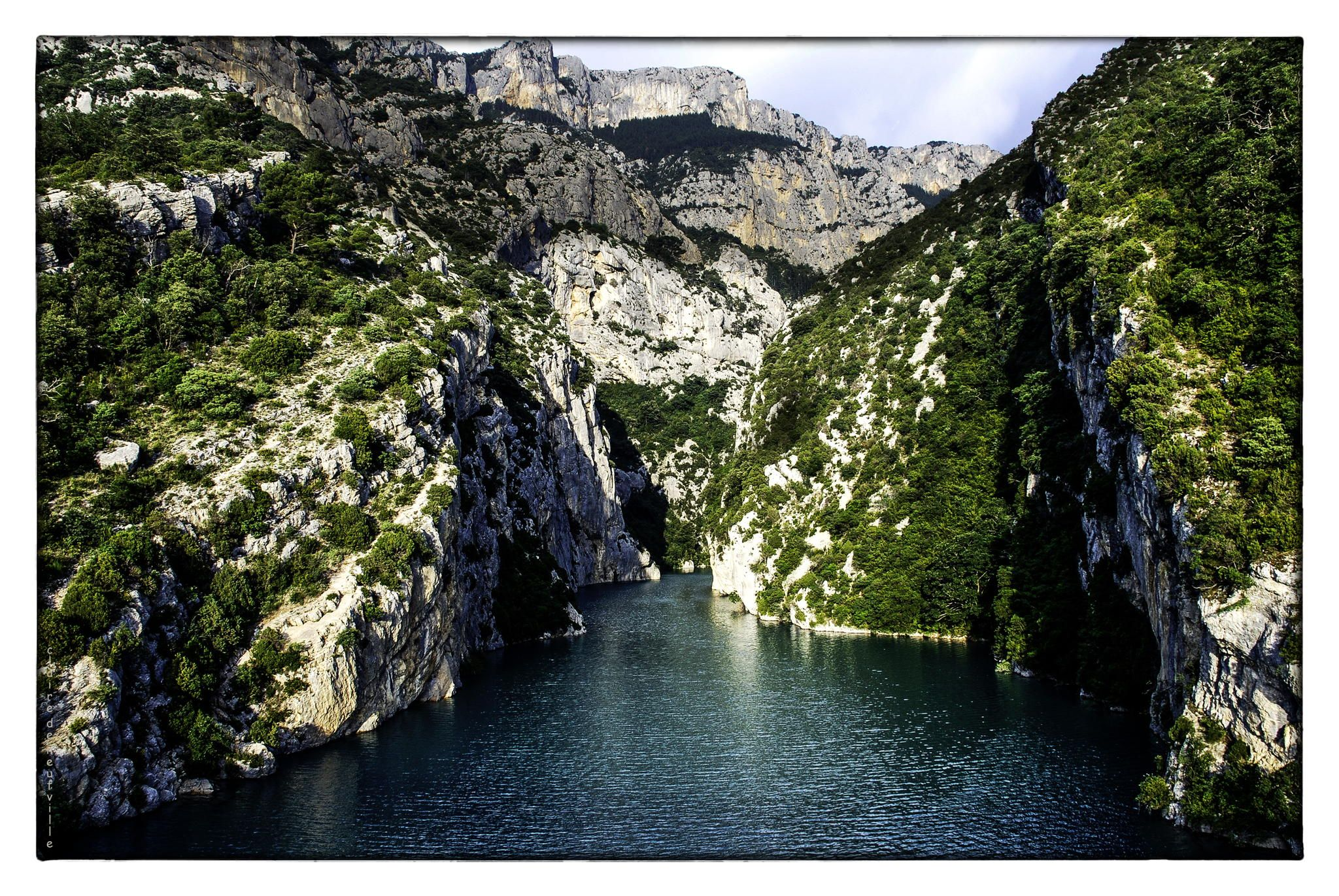 Verdon river's Gorge in Alpes-de-Haute-Provence, South Eastern France