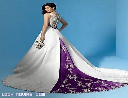 Vestidos de novia color morado