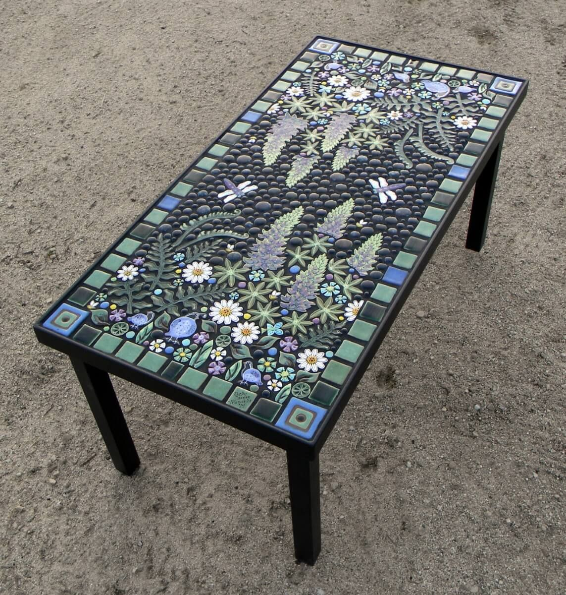 Merveilleux Floral Mosaic Table