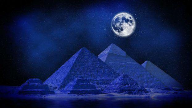 أجمل خلفيات اهرامات الجيزة بمصر Pyramids Wallpapers عالم الصور Moon Artwork Pyramid Artwork Pyramids