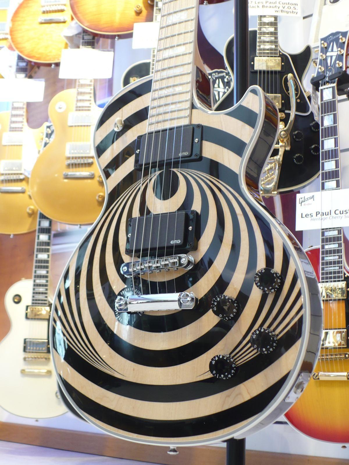 So Gorgeous The Les Paul Zakk Wylde Vertigo Cool Guitar Zakk Wylde Les Paul