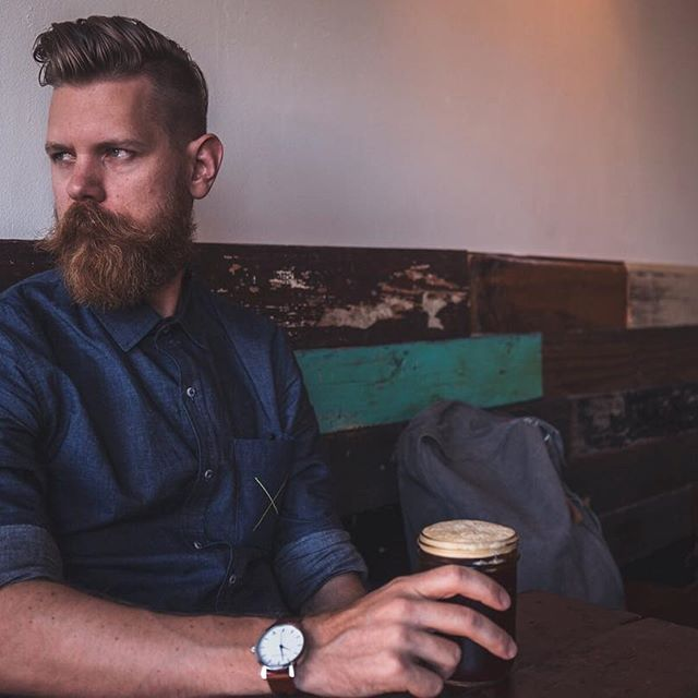 With all the stress that comes along with this hectic time of year, it's imperative to grab a hot cup of coffee and take a breather. Hope everyone has enjoyed their holiday shopping. • • #beards #beardbrand #urbanbeardsman #lifestyle #menslifestyle