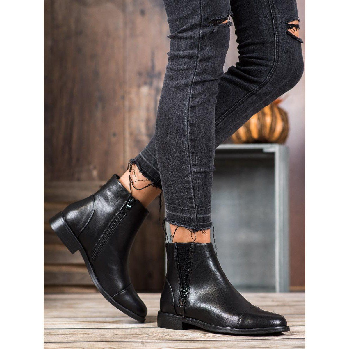 J Star Elegant Ankle Boots With Crystals Black
