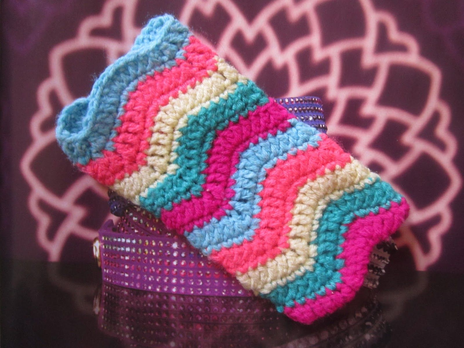Crochet ripple stitch phone case! | my crafts | Pinterest