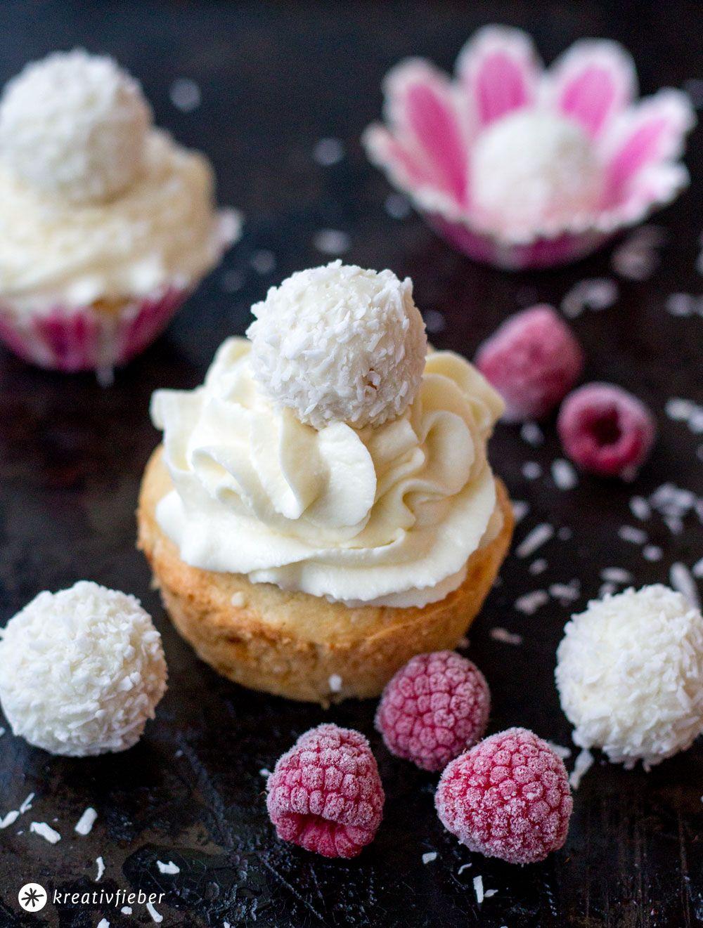 Raffaello Himbeer Cupcakes - Weihnachtsdessert #cupcakesrezepte
