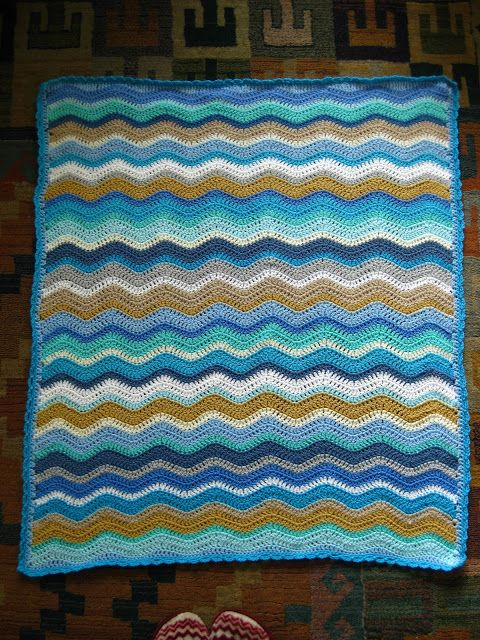 chevron blanket in seaside colours // made by Bunny Mummy