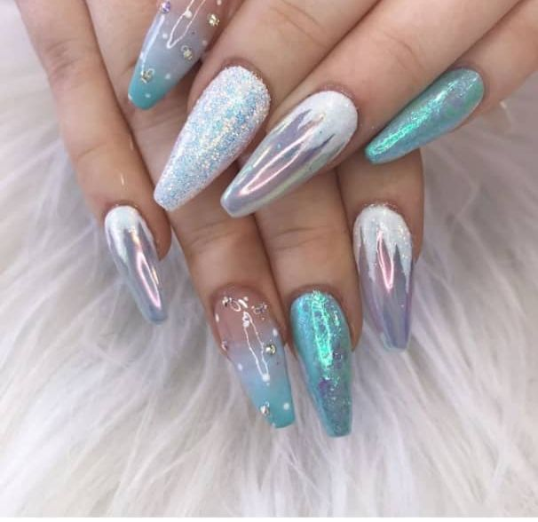 22 Beautiful Frozen Nails Design Ideas The Glossychic Frozen Nails Frozen Nail Designs Frozen Nail Art