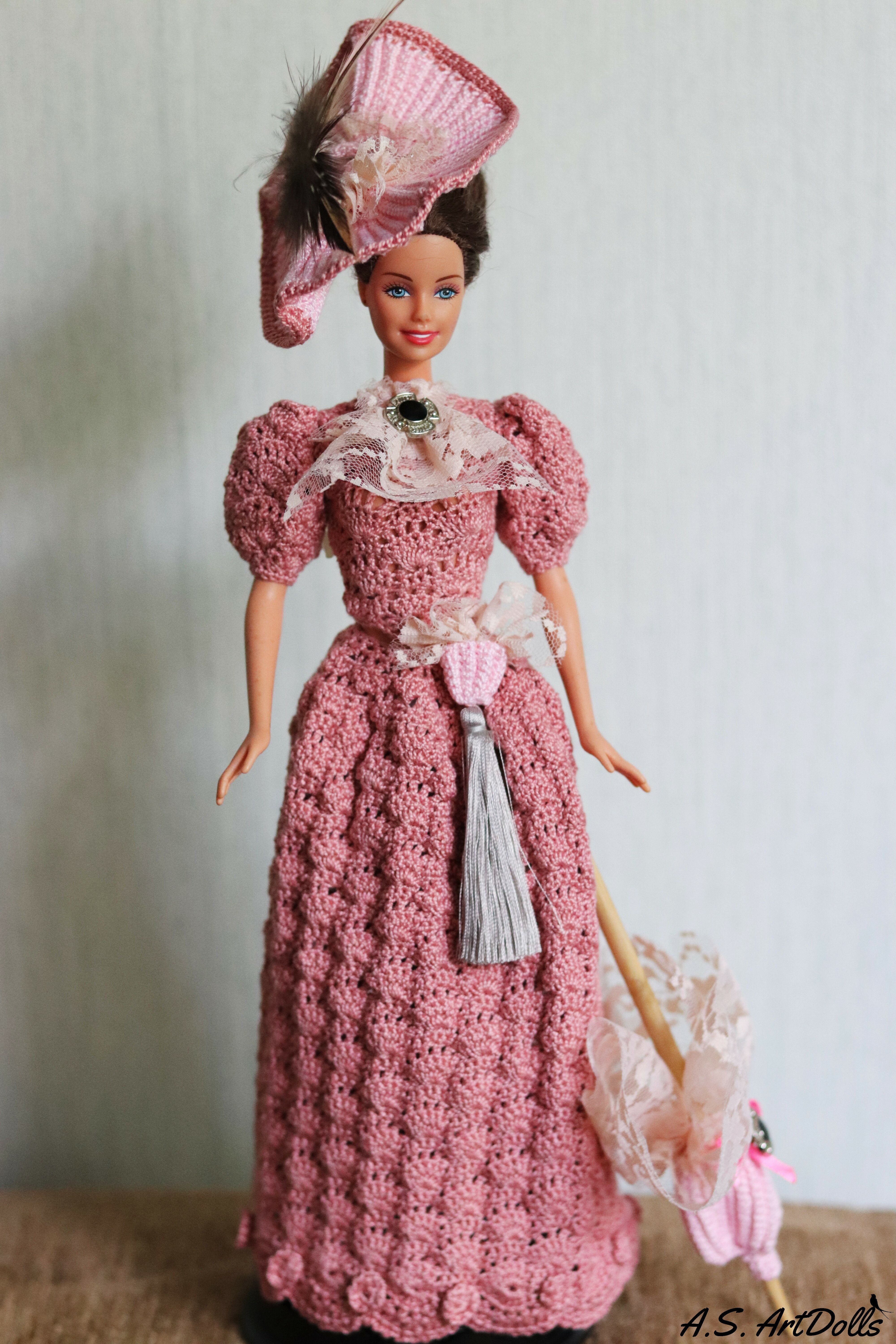 Pink crochet doll dress - Historical dolls #dolldresspatterns