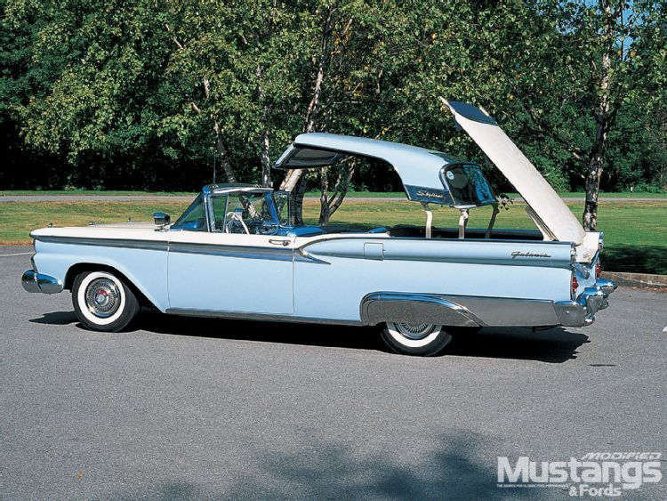 1959 Ford Galaxie Skyliner With Retractable Roof A Feat Of Modern Engineering Ford Galaxie Classic Cars Ford Classic Cars