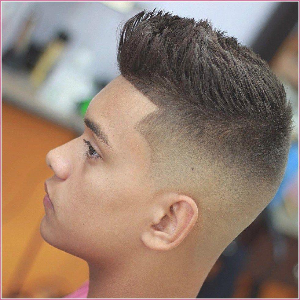 Frisuren Manner Oben Lang Seiten Kurz Frisurentrends Manner Frisur Kurz Haarschnitt Manner Haare Manner
