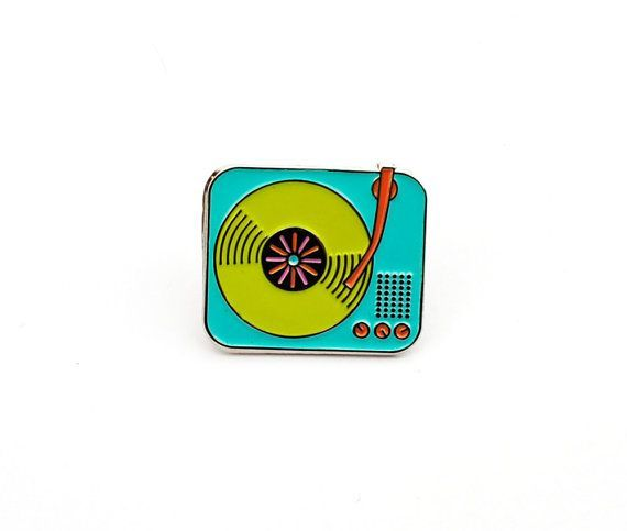 Tocadiscos retro esmalte Pin solapa plata Pin por ColorTheoryShop