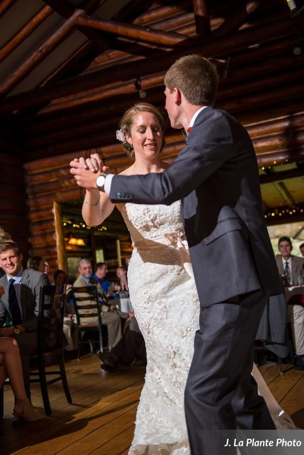 These two got married in the middle of July at the Twin Owls Steakhouse in Estes Park, Colorado and their wedding couldn't be more gorgeous!