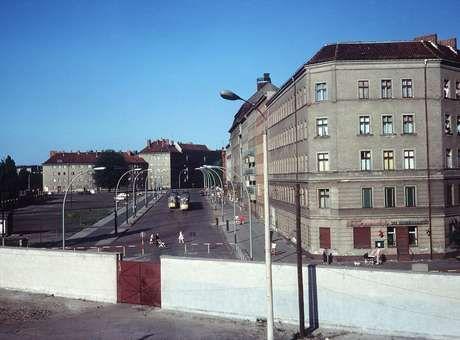 Com muro, Adenauer propôs a Kennedy vender Berlim Ocidental - Terra Brasil