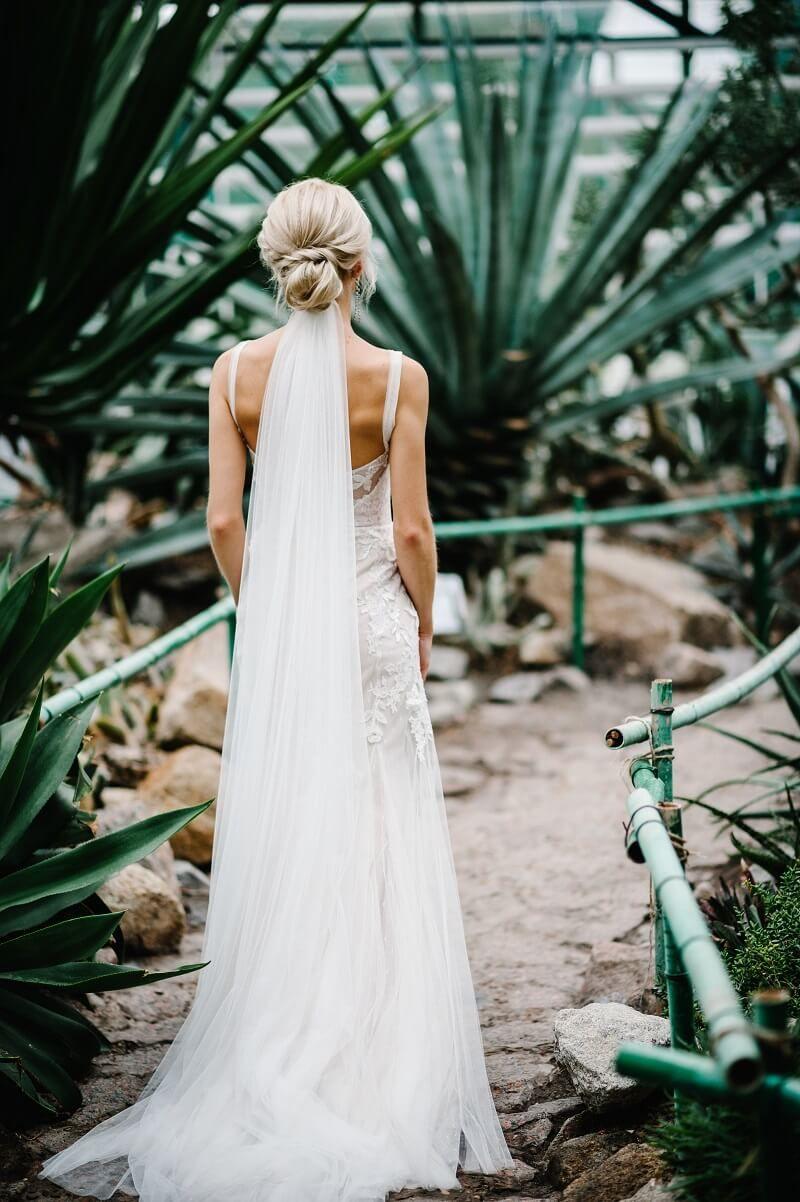 Brautfrisur mit Schleier: 15 Inspirationen  Hochzeit frisuren